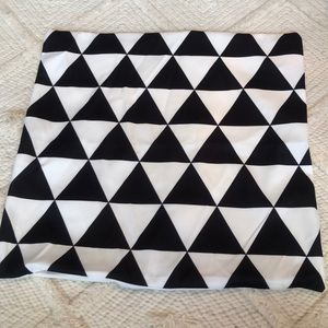 Black and White Pillow Case New